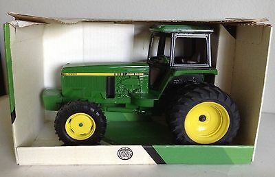John Deere 4960 Tractor w/ MFWD & Duals ERTL 1/16 New in Box & Hard to Find!