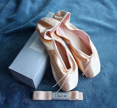 CHACOTT Veronese II TOE SHOES BALLET Size 24 24D 7 PINK NEW in BOX