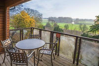 Christmas short 2 night break in luxury lodge or cabin for up to 6 Wychnor park