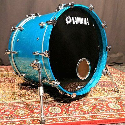 Yamaha Maple Custom Absolute 22×16 Bass Drum, Ice Blue Sparkle  – Pre-owned