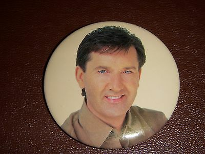 Large Daniel O'donnell Badge ( 2 ) - Irish Singer