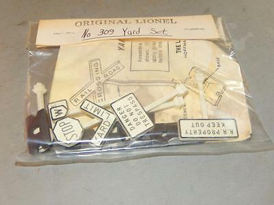 Lionel Post-War- 309 Yard Set- Missing Rr Xing Sign - New In Package - W5