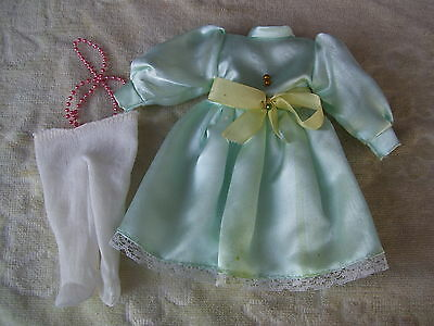 Alte Puppenkleidung Green Silky Dress Outfit vintage Doll clothes 25 cm Girl