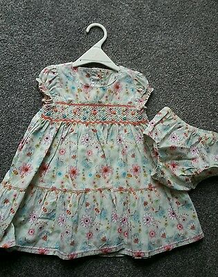 M&s  Hand Smocked Vintage Baby  Girls Print  Dress &matching Knic   Age 6/9 Mths