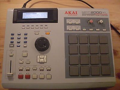 AKAI MPC2000XL SEQUENCER SAMPLER WITH 100mb ZIP DRIVE, 32MB RAM & FREE UK POST