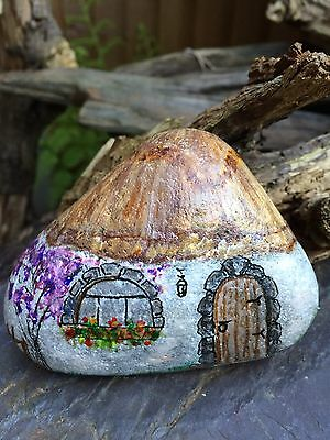 The Old Cottage Hand Painted Stone,pebble, Cobble, Home Decoration, Paperweight