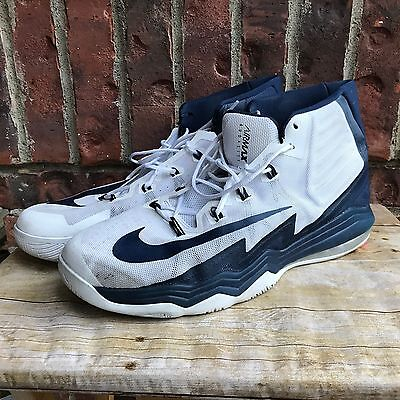Dallas Mavericks Game Used Nike Air Max Audacity Shoes - Andrew Bogut - Size 18