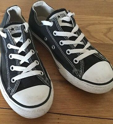Converse Black And White Trainers Size Uk 2 Eu 34