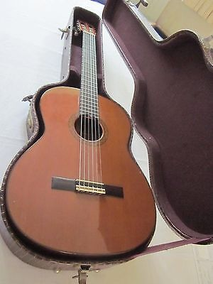 Vintage Rosewood Classical Acoustic Aria Guitar Model A558 + solid case