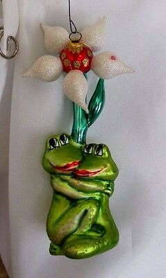 Two Frogs in Love Hugging Under Flower ~ Glass Holiday Ornament Lovers Newlyweds