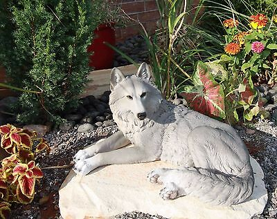 Resting Wise Gray Lone Wolf Figurine Timberwolves Pack Decorative Decor Statue