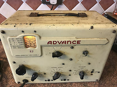 Vintage Signal Generator,Advance E2,Working Order,Good General Cond.,No Leads