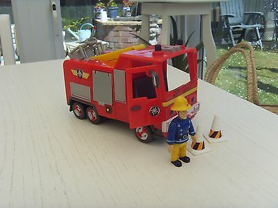 2009 Jupiter with Fireman Sam and Two Cones