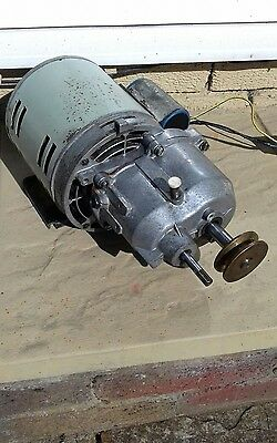 Single Phase 240V Motor With Gearbox Twin Shaft Look
