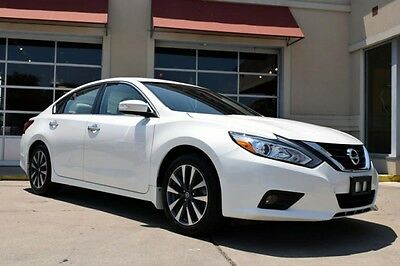2016 Nissan Altima  2016 Nissan Altima SL With Navigation And Moonroof