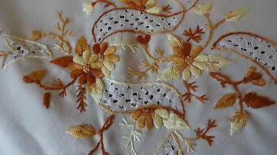 """VINTAGE HAND EMBROIDERED large TABLECLOTH 80 x 58"""" Cream linen + 2 napkins"""