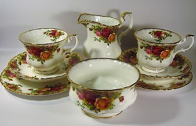 Royal Albert Old Country Roses Six Piece 1962 Tea Set  As New . Rm2