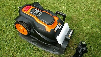 WORX WG790E Landroid​ M Robotic Lawnmower  28v lith-ion battery mows up to 800m2