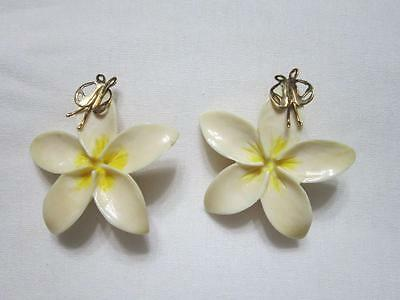 Pair Rare Vintage Hawaiian Carved Plumeria Flower With Gold Fly Earrings