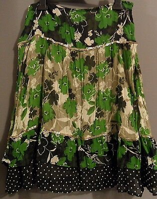 Floral skirt size 8 (small 10)