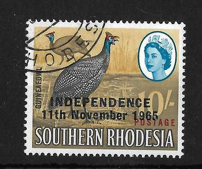RHODESIA, 1966 INDEPENDENCE ISSUE, 10/- , SG 371a, EXTRA FEATHER FLAW.
