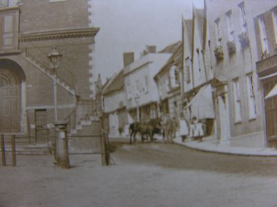 Horses By The Town Hall (See Detailed Scan) Woodbridge Suffolk 1928 Rp Pc