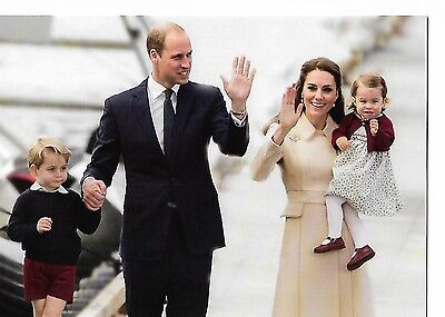 NEW ROYALTY POSTCARD -DUKE & DUCHESS OF CAMBRIDGE with GEORGE & CHARLOTTE