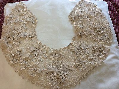 Stunning Vintage Irish crochet lace collar, beige, 3D rose, shamrocks