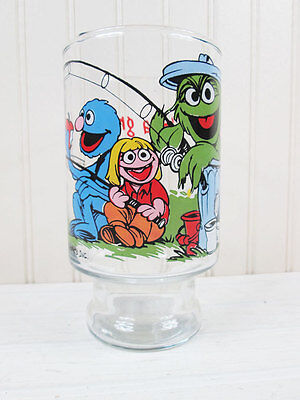 Vintage Sesame Street Muppets Drinking Glass Grover Oscar The Grouch Great Catch