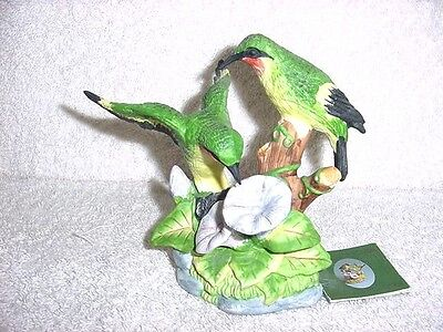 Russ Natures Song Ruby Throated HUMMINGBIRD Porcelain FIGURINE Detailed