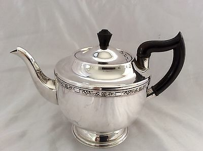 Fine Art Deco VINERS Of Sheffield Silver Plated Teapot C.1930