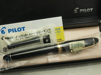 Pilot (NAMIKI) FP Custom 742 Black with converter / 14K / Falcon Flex nib New!