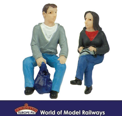 Bachmann 47-404 Sitting Passengers A Figures (Pack of 2) O Gauge