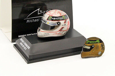 M. Schumacher Helm und Pin Set 300th GP F1 2012 + goldener Helmpin 1:8 Schuberth