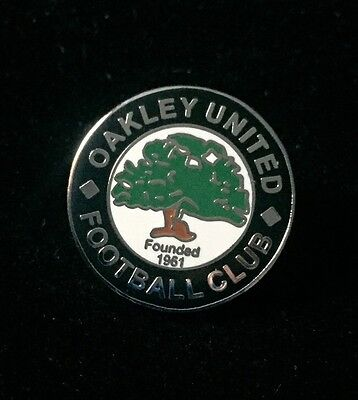 Oakley United Football Club Metal Pin Badge Excellent Condition