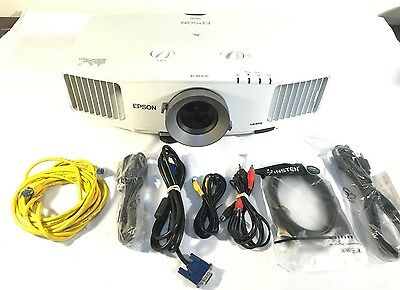 Epson PowerLite Pro G5350NL 3 LCD Projector 5000 Lumens HDMI H286A Low Hours