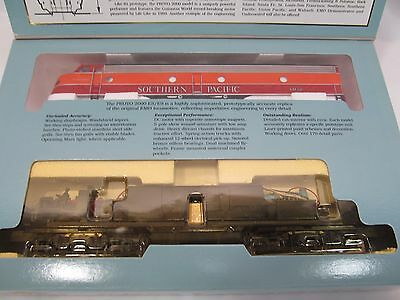 Proto 2000 E8/9 Southern Pacific # 6052 Diesel Locomotive Engine 8199 in C-9