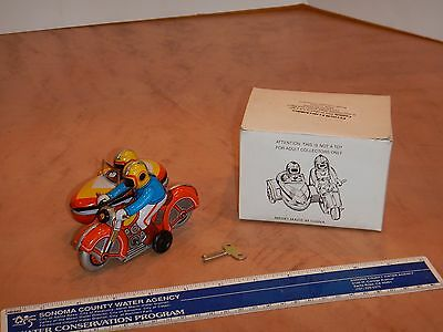 Wind-Up Tin Litho Motorcycle With Sidecar Toy Ms 281