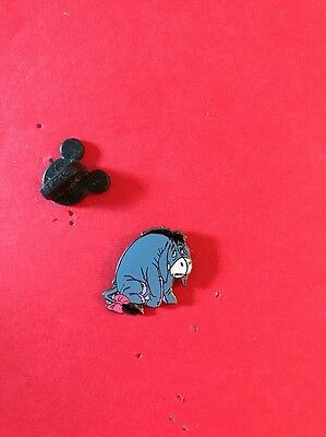 Disney 2002 Winnie Pooh 100 Acres Woods Sad Eeyore Sitting Glossy Pin