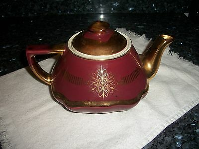 Vintage Hall's Maroon with Gold Pattern 6 cup Teapot 0173GL