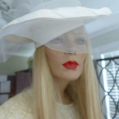 Vtg Wide Brim Hat with Veil..Ivory/White Wedding Derby Sensational Netting Bow