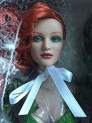 """Tonner Tyler 16"""" DC STARS POISON IVY Dressed Fashion Doll NRFB LE 1000"""