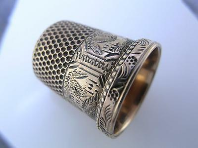 low carat Gold THIMBLE w/ engraved panels of building scenes