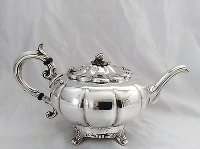 Fine Quality Vintage VINERS Of Sheffield Melon Form Silver Plated Teapot