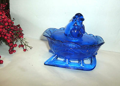 Vintage Christmas Cobalt Blue Westmoreland Santa And Sleigh Covered Candy Dish