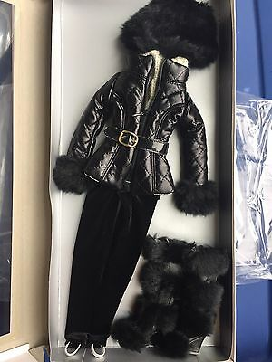 """Tonner Antoinette 16""""  Cami & Jon A DAY AWAY Fashion Doll Clothes Outfit NRFB"""