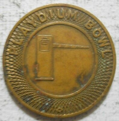 Playdium Bowl (Chicago, Illinois) parking token - IL3150CA