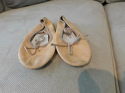 Dance Time   full sole ballet shoes CHILD Size 1 used