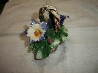 """Porcelain Capodimonte Italy Small Basket of Trumpet Flowers w 2 red buds 4"""" Tall"""
