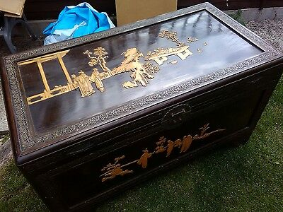 Stunning Large Vintage Oriental / Chinese Inlaid Camphor Wood Chest Coffer Box